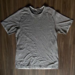 Lululemon Metal Vent Tech Shirt Size Large Grey